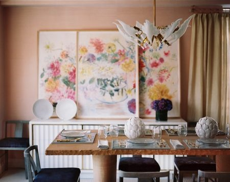 An Inviting and Comfortable Easter Dining Room