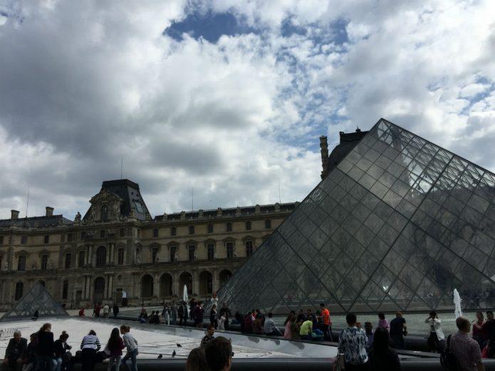 le_louvre_paris