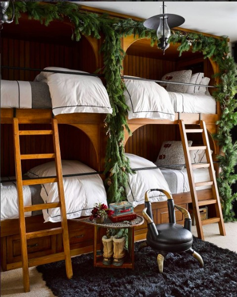 21 best christmas decors on instagram interior design for Elle decor beds