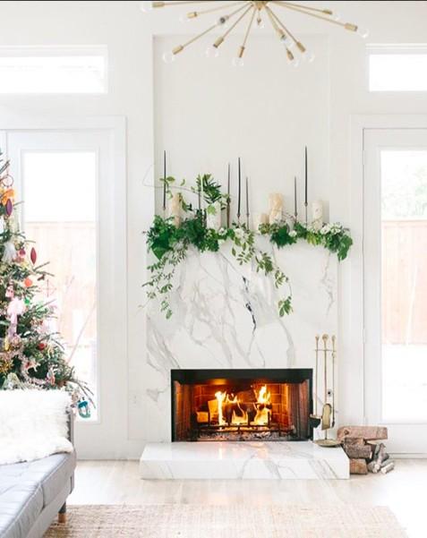 lonny-christmas-mantle