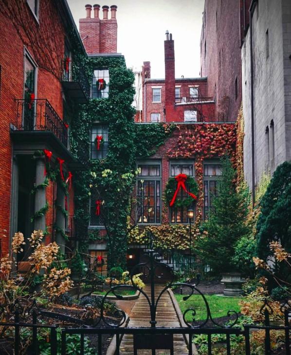 21 Best Christmas Decors On Instagram Interior Design