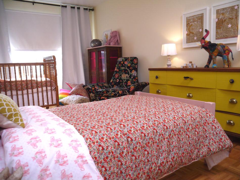 une chambre partag e tr s color e. Black Bedroom Furniture Sets. Home Design Ideas